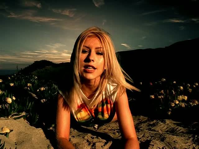 christina-aguilera-genie-in-a-bottle-clip