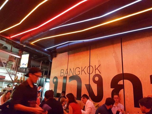 street-bangkok-local-food-paris-restaurant