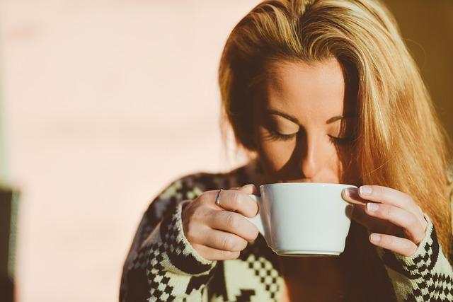 femme-cafe-reveil