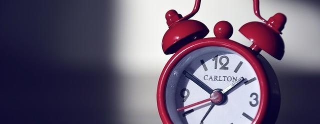reveil-lever-alarme-sonnerie-rouge