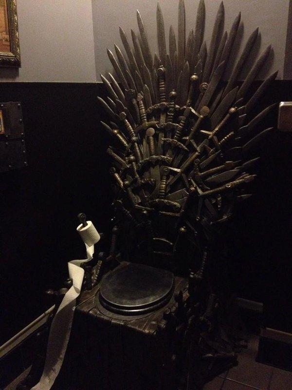 sur-le-throne