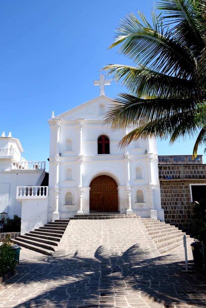 eglise blanche place san pedro guatemala