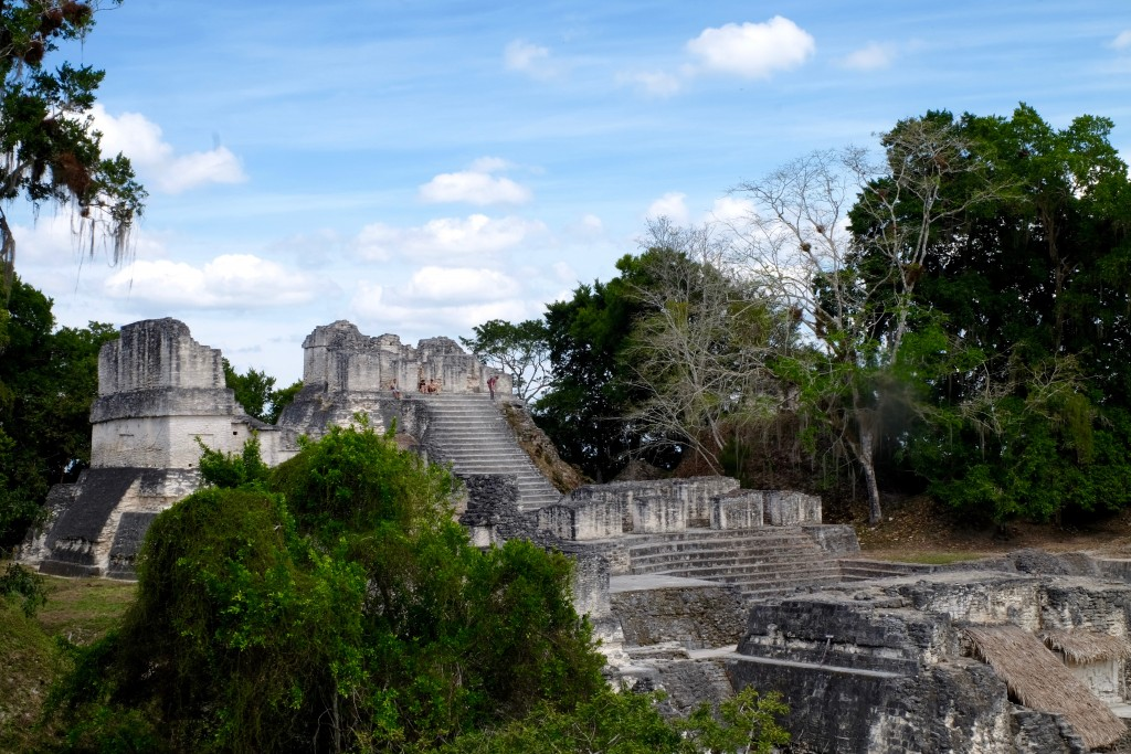 structures-maya-place-centrale-tikam-guatemala