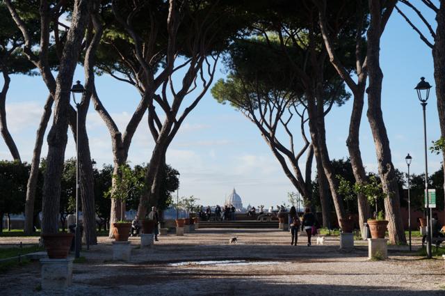 rome-parc-savello-vue-vatican-tibre-panorama-orange-coucher-soleil