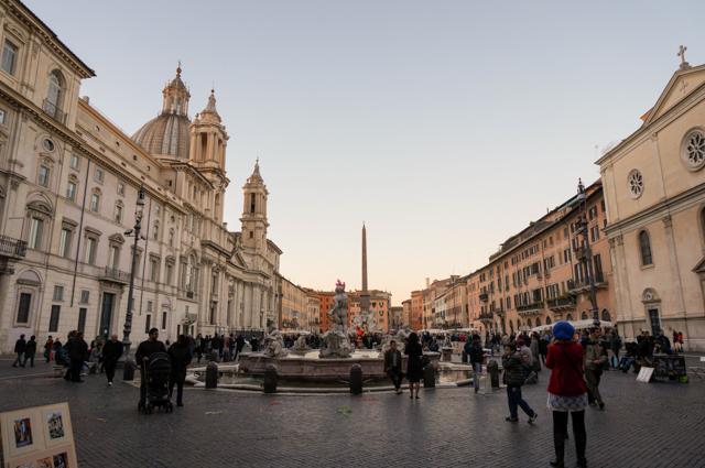 rome-piazza-navona-borromini-bernini-fontaines