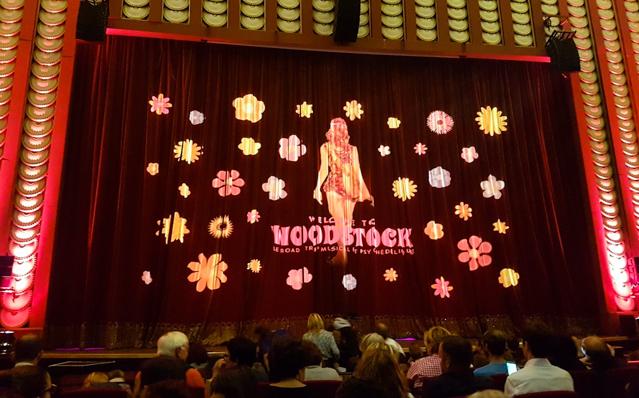 woodstock-comedie-musicale-paris-comedia-hippie